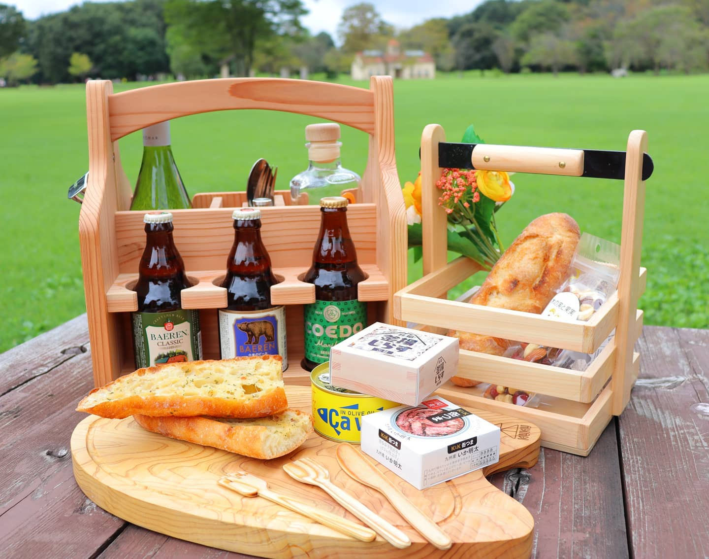 大人ピクニック🌲#woodboardkuku #beer #beercaddy #woodplate #opencafe #picnic #woodworking #nakawood @woodboardkuku